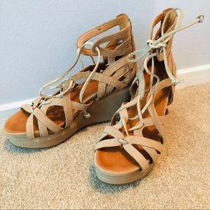 Gentle Souls Gladiator Sandals 👡 light sandy